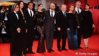اعضای هیئت داوران این دوره از جشنواره فیلم ونیز بر فرش قرمز.