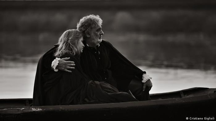 """Plasido Domingo sa ruskom sopranistkinjom Julijom Novikovom u """"Rigoletu"""", 2010."""
