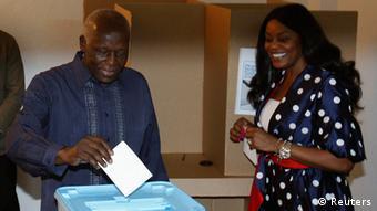 A reeleição do Presidente José Eduardo dos Santos, líder do MPLA, parece ser dado adquirido