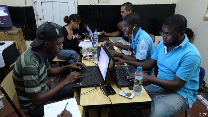 Angola Wahlen 2012 Überwachung des Wahlprozesses Bild: António Cascais Wann wurde das Bild gemacht?: 31.08.12 Wo wurde das Bild aufgenommen?: Luanda, Angola