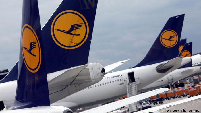 Picture of Lufthansa planes.