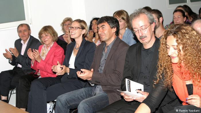 دانیلا شات (نفر دوم از سمت چپ) همسر رئیسجمهور فعلی آلمان در مراسم شب ایرانی