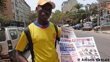 Titel: Angola Wahlen Zeitungen Text: Zeitungsjunge Ort: Luanda/Angola Datum: 02.09.2012 Foto: António Cascais Kein Honorar Rechte abgetreten Zulieferer: Cristina Krippahl