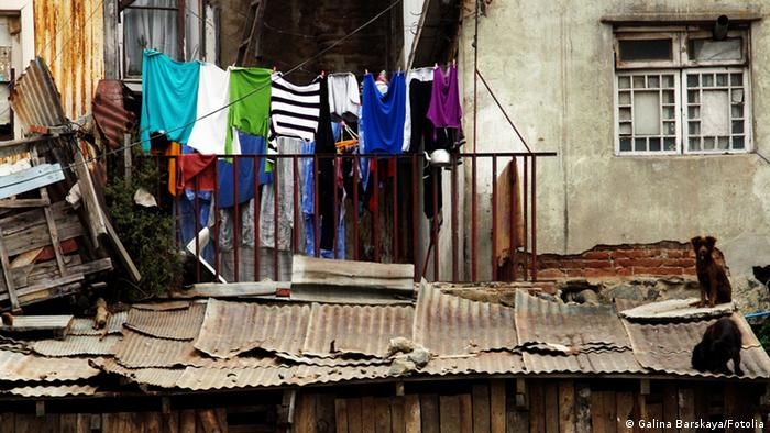 Armut Fassade Wäsche