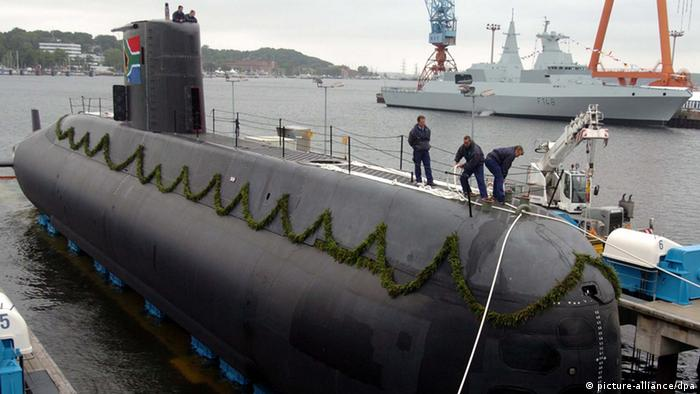 Type 209 submarine at mooring. Photo: Ulrich Perrey dpa/lno