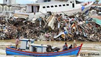 Halbes Jahr nach Tsunami - Zerstörungen in Banda Aceh