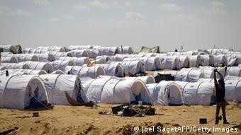 Лагерь беженцев в Тунисе на границе с Ливией