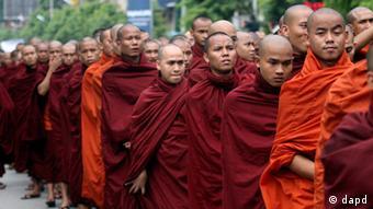 Proteste von Mönchen in Myanmar