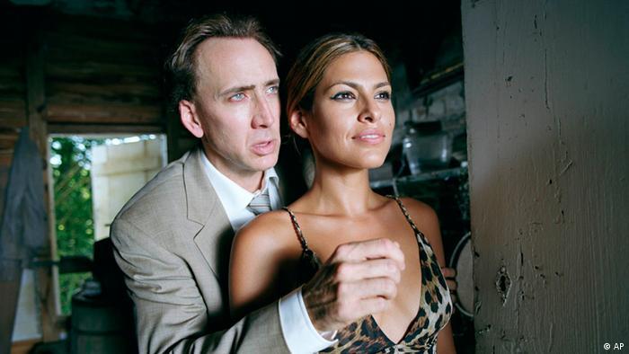 Eva Mendes und Nicholas Cage in Bad Lieutenant by Werner Herzog