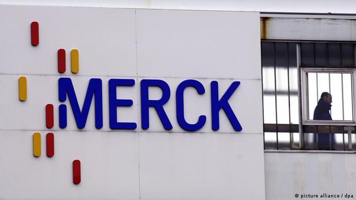 Merck Pharma Chemie Konzern Symbol