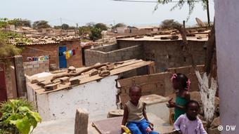 Angola Bairro Rocha Pinto - Armenviertel in Luanda