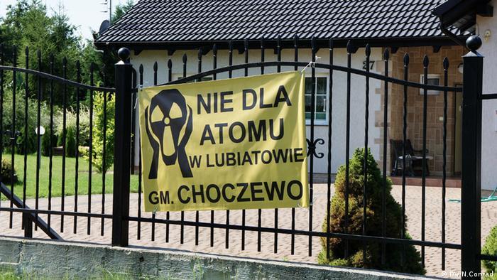 Polen, Nuklearprogramm, Transparent der anti-atom Aktivisten. Copyright: DW/Naomi Conrad Polen, August 2012