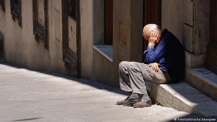Symbolbild Rente, Armut, Einsamkeit, Senioren, Alter