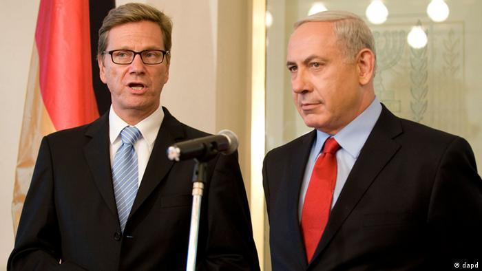 بنیامین نتانیاهو، نخستوزیر اسرائیل (راست) و گیدو وستروله، وزیر امورخارجه آلمان در اورشلیم