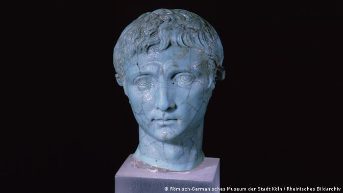 Миниатюрный скульптурный портрет Октавиана Августа, I век