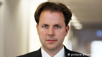 Σε πρακτικό επίπεδο δεν είναι εύκολη υπόθεση το δικαίωμα στη λήθη, προειδοποιεί ο δικηγόρος Κρίστιαν Σόλμεκε
