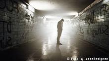 Symbolbild zu Außenseiter, Einsamkeit Bild: Fotolia/ lassedesignen # 42127869