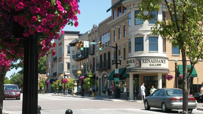 A street in Carmel, Indiana, Photo: City of Carmel