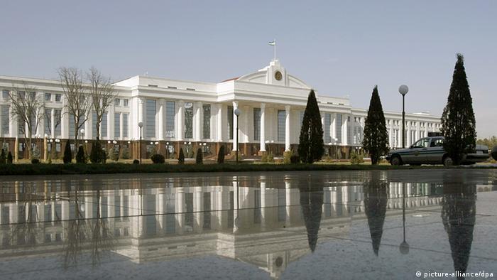Usbekistan Regierungsgebäude in Taschkent