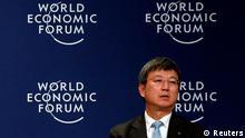Zhu Min considera que la crisis europea no ha terminado, pero cree en el euro.