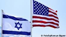 Symbolbild Flaggen von USA und Israel