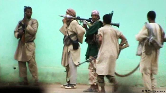 A still from a video shows armed Islamists patrolling in the streets of Gao. (Photo: STR/AFP/GettyImages/DW)