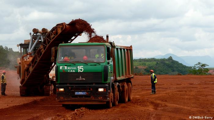 Bauxite mining Photo: Bob Barry, Lagos, Nigeria