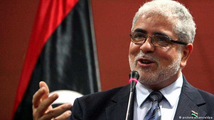 A file photo dated 07 March 2012 shows Deputy Prime Minister of Libya Mustafa Abu Shagour speaking during a press conference, in Tripoli, Libya. Reports on 12 September 2012 state that Libya's national congress has voted Mustafa Abu Shagour as Libya's next prime minister, a live televised vote showed on 12 September. EPA/SABRI ELMHEDWI 50253441 +++(c) dpa - Bildfunk+++