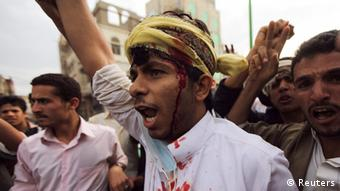 Demonstran mengritik film Innocence of Muslims di Sanaa, Yaman. (Foto: Reuters)
