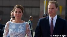 KUALA LUMPUR, MALAYSIA - SEPTEMBER 14: Catherine, Duchess of Cambridge and Prince William, Duke of Cambridge depart Kuala Lumpur airport for Sabah Maylasia on day 4 of Prince William, Duke of Cambridge and Catherine, Duchess of Cambridge's Diamond Jubilee Tour of the Far East on September 14, 2012 in Kuala Lumpur, Malaysia. (Photo by Arhtur Edwards - Pool/Getty Images)