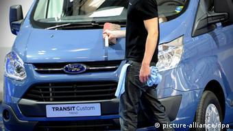 از سال ۲۰۱۲ بیش از ۱۵۰۰ خودروی خارجی به ارس وارد شدهاند که نیمی از آنها خودروهای آمریکایی بودهاند