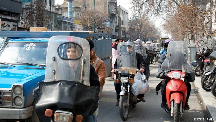 Мотоциклисты на улицах Тегерана