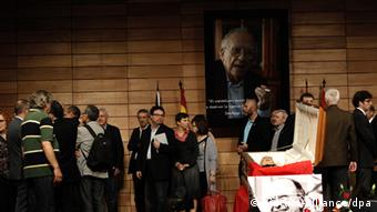 Several people want to give their last farewell to veteran Communist leader Santiago Carrillo during his funeral chapel at CCOO union headquarter in Madrid Spain on 19 September 2012. Carillo, that took an active part during Spanish transition to democracy, died while sleeping his 'siesta' on 18 September at age 97. EFE/Emilio Naranjo