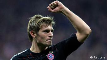 Bayern Munich's Toni Kroos celebrates his goal against Valencia