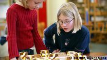Bildergalerie Reformschule Schule Schüler Geschichte Kultur Montessori Grundschule Würfel Trinomisch