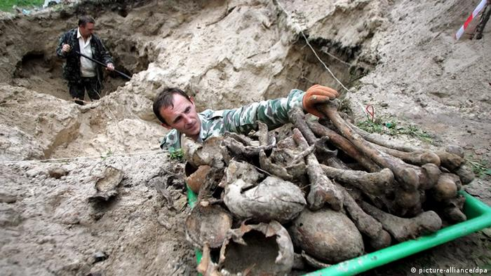 Масові поховання у Биківні - нагадування про розмах сталінських репресій