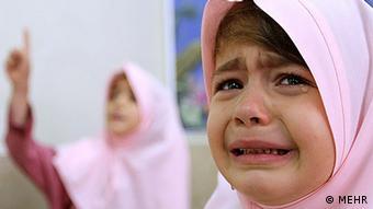 دانشآموزان در مناطق دوزبانه ایران در نخستین روز مدرسه دچار شوک اول مهر میشوند