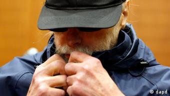 Der wegen Beteiligung an terroristischen Aktivitäten angeklagte Christian Gauger im Verhandlungssaal des Frankfurter Landgerichts (Foto: dapd)