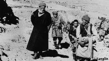 1959 Lhasa the 14th Dalai Lama escapes to India (Li Jianglin)