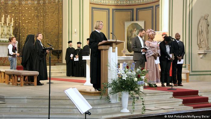 Ökumenischer Gottesdienst auf der Interkulturellen Woche 2012 in Potsdam (Foto: RAA Potsdam/Wolfgang Beier)