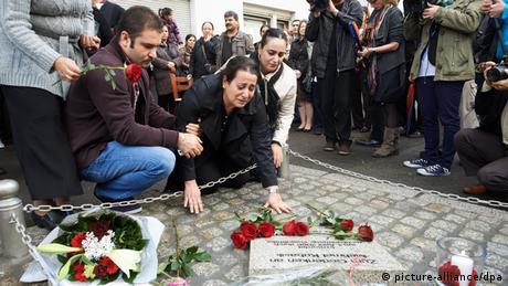 Mehmet Kubasik's widow at memorial in Dortmund