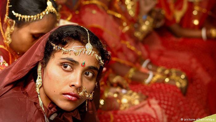 A woman at her marraige in Kolkata (Photo: Foto: EPA/PIYAL ADHIKARY)