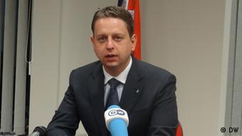 Pavićević: Sa graničnih prelaza na sjeveru Kosova biće uklonjene i sve vrste državnih oznaka.