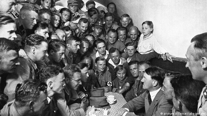 Хитлер през 1930 година в Мюнхен
