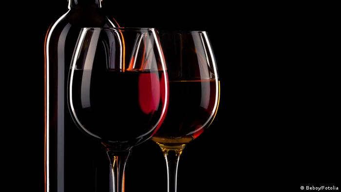 Rotwein mit Glas