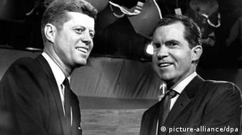 Kenned (left) and Nixon during the 1960 presidential debate (picture-alliance/dpa)