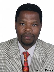 Yunus D. Mgaya / Portrait