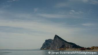 Die Felsen von Gibraltar von weitem. (Foto: AFP)