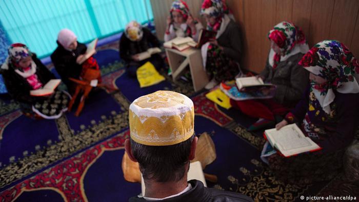 Mädchen in einer Koran-Schule in Bulgarien