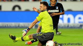 William Kwist tries to get the ball in the game against Hoffenheim